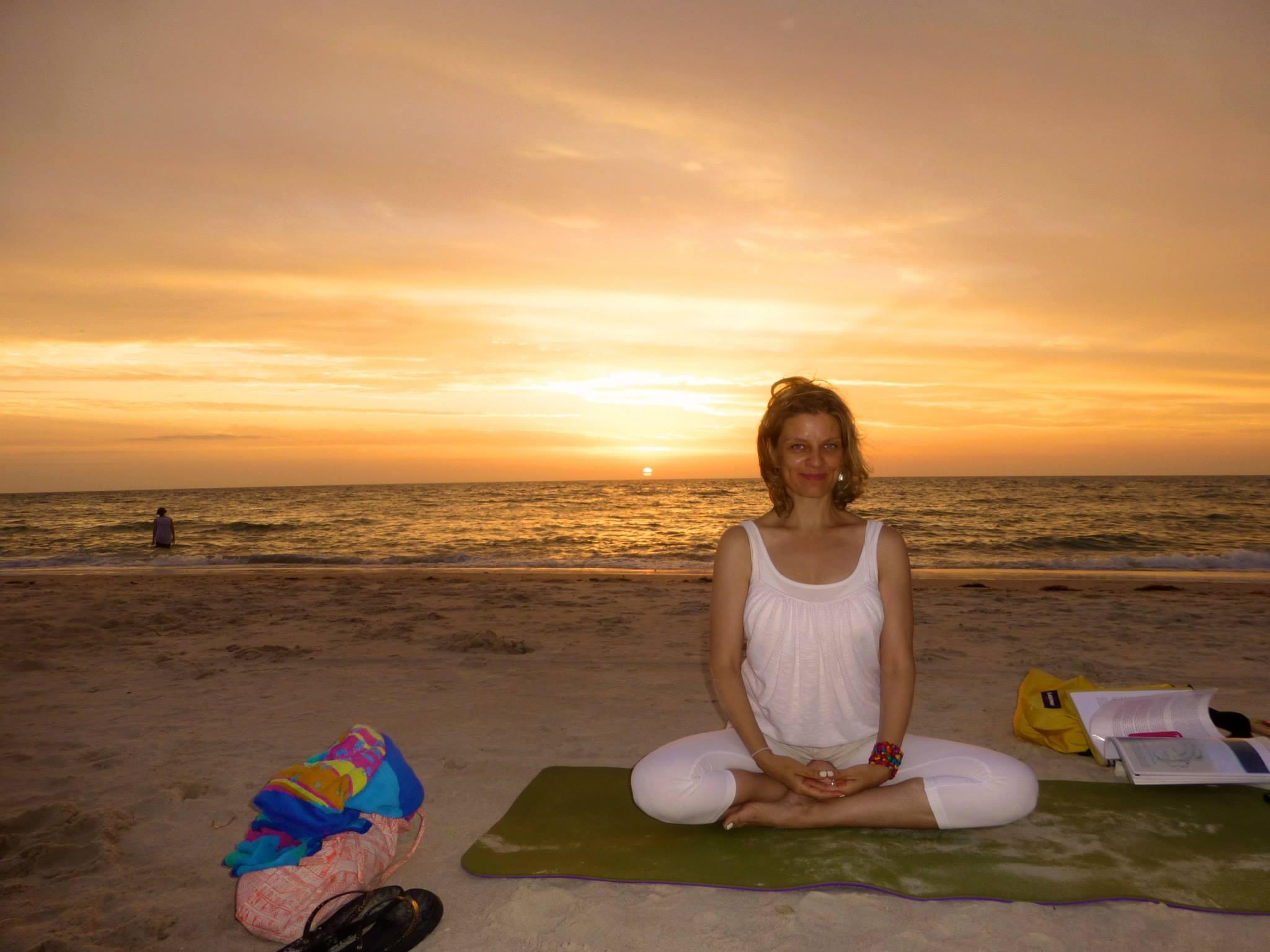 Beach kundalini yoga .. total and utter magic!